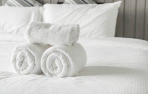 accesorios-hoteles-imprescindibles-esta-temporada